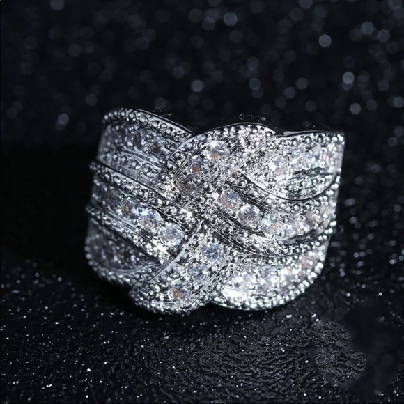 925 Sterling Silver Diamond Wide Band Twist Ring 7